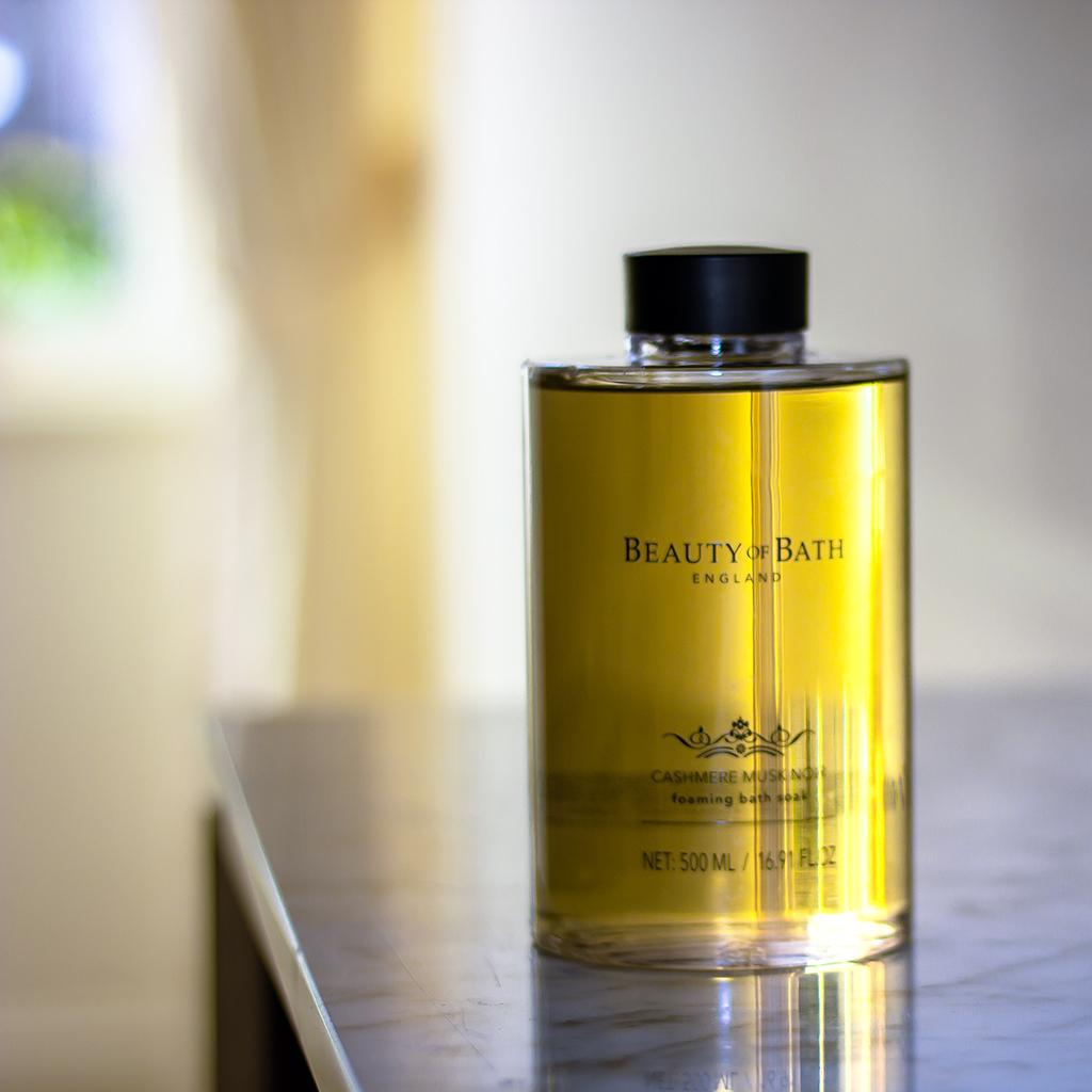 the-somerset-toiletry-company-beauty-of-bath-cashmere-musk-noir-bath-soak