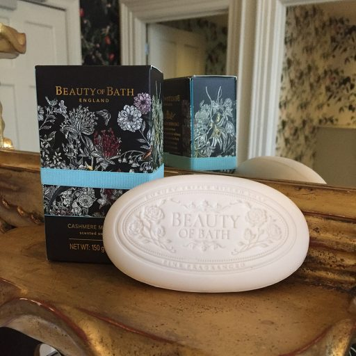 the-somerset-toiletry-company-beauty-of-bath-cashmere-musk-noir-soap