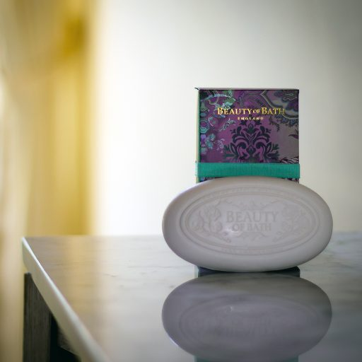 the-somerset-toiletry-company-beauty-of-bath-violet-jasminium-ginger-soap
