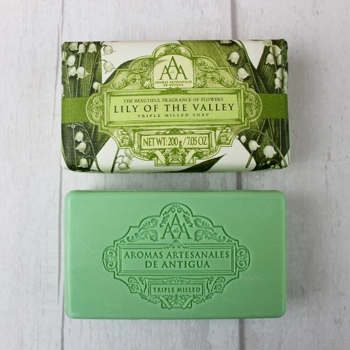 the-somerset-toiletry-company-aromas-artesanales-de-antigua-aaa-lily-of-the-valley-soap-open