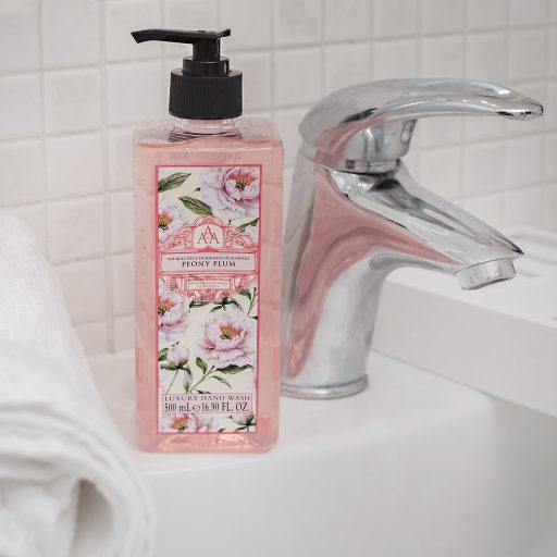 the-somerset-toiletry-company-aromas-artesanales-de-antigua-aaa-peony-plum-hand-wash-lifestyle