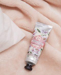 the-somerset-toiletry-company-aromas-artesanales-de-antigua-aaa-peony-plum-hand-cream-lifestyle