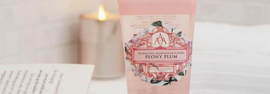 the-somerset-toiletry-company-aromas-artesanales-de-antigua-aaa-peony-plum-bath-and-shower-gel-lifestyle