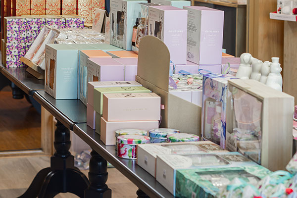 the-somerset-toiletry-company-gift-shop-image-tables